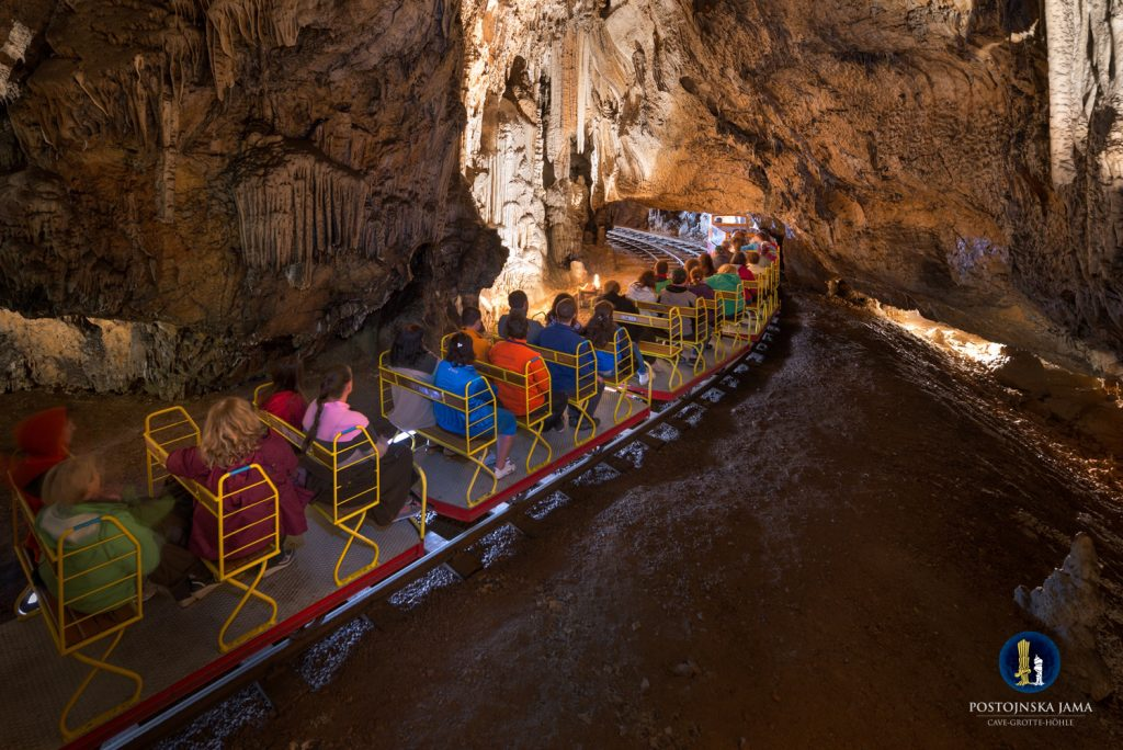 caverna eslovenia