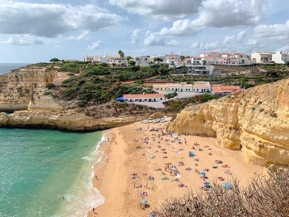 algarve portugal praia do benagil