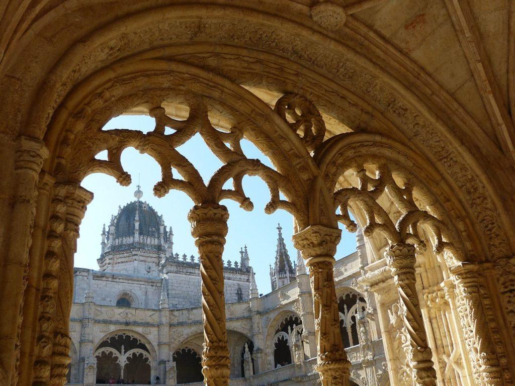 mosteiro dos jeronimos em lisboa