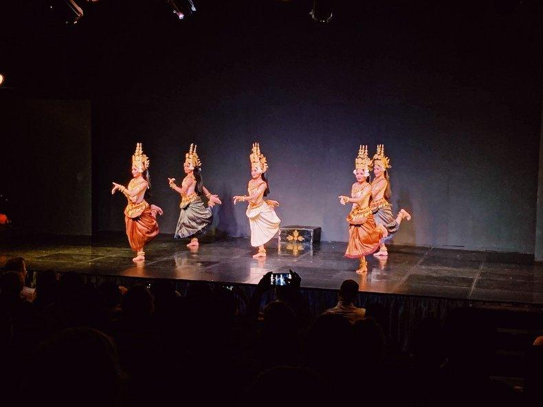apsara dancing Camboja Phnom Penh